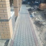 укладка тротуарной плитки (п. усть-ижора) фото 2