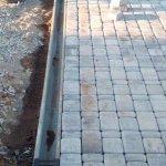 Мощение тротуарной плиткой территории частного дома в п. Синявино фото 11