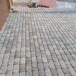 Мощение тротуарной плиткой территории частного дома в п. Синявино фото 3