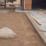 Мощение тротуарной плиткой территории частного дома в п. Синявино фото 9