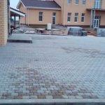 Укладка и мощение тротуарной плиткой территории КП Ломоносовские усадьбы фото 7