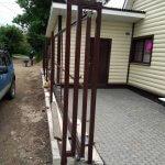забор из профнастила фото 6