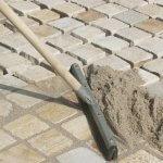 Чем засыпать швы тротуарной плитки?